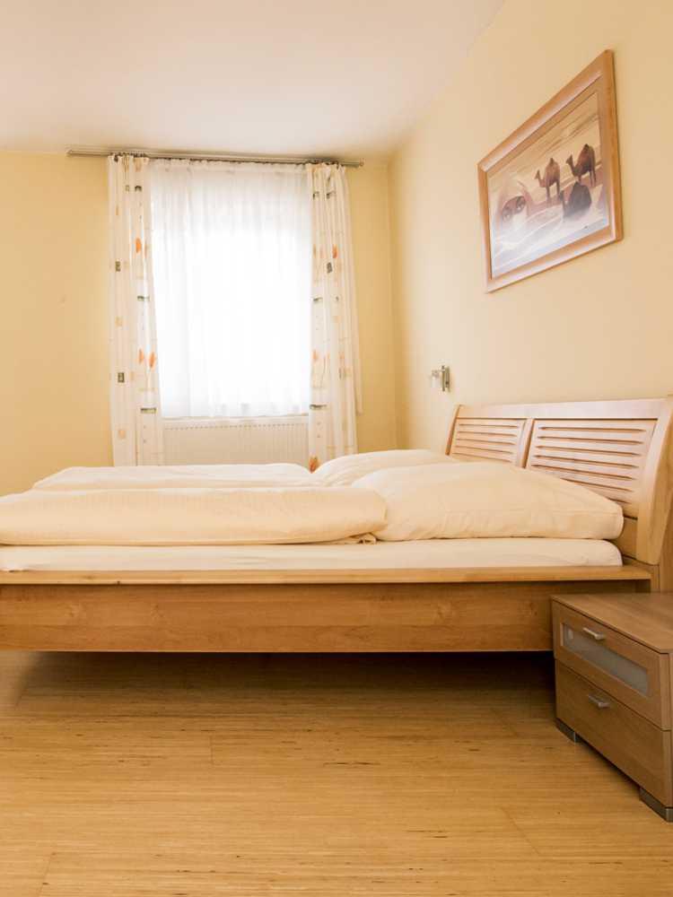 harambe afrika. Black Bedroom Furniture Sets. Home Design Ideas